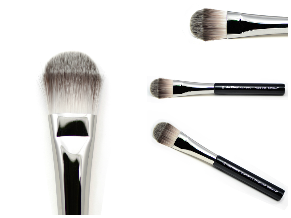 Foundation/liquid/make-up brush